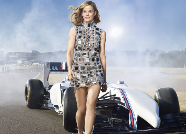 16 Gorgeous Female Race Car Drivers That Are Hotter Than