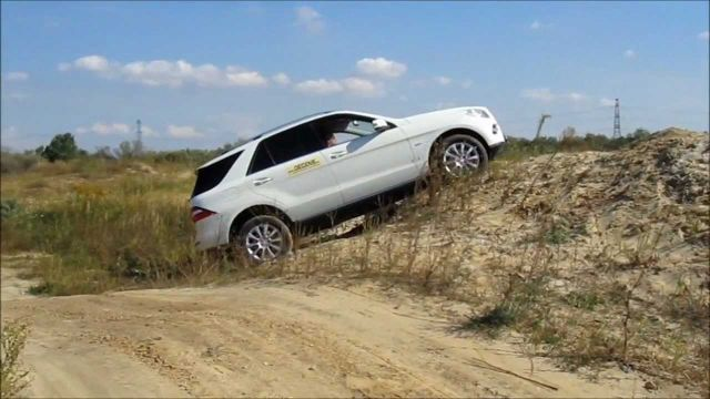 Watch: Owning 4×4 Doesn't Make You a Good Driver: Epic On and Off Road Fails