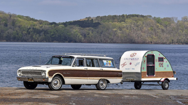 30 Iconic Station Wagons That Catch Drivers' Eyes